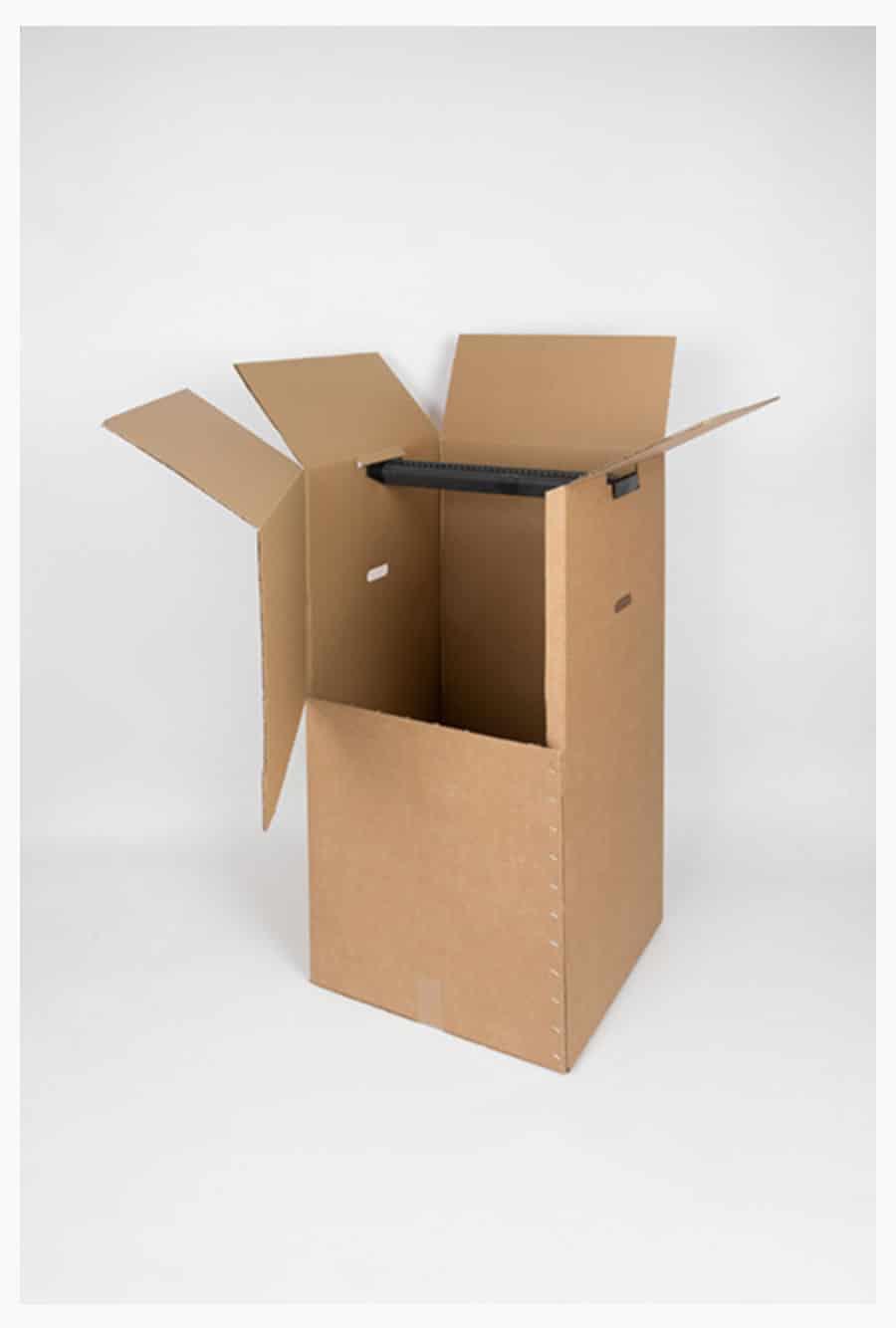 carton de déménagement avec tringle penderie pour vêtements